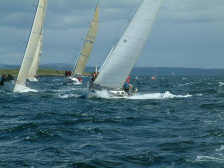Picture of boats sailing fast upwind